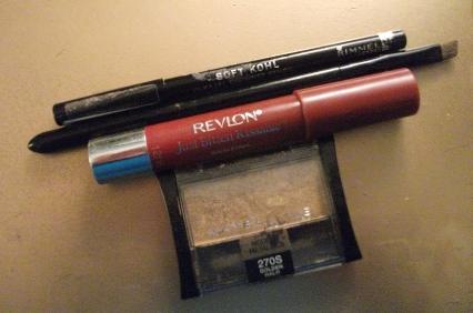 revlon just bitten kissable lip balm, black eyeliner, angle brush, maybelline eyeshadow