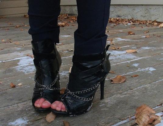 shoe details, chain, snakeskin, open toe ankle boots le chateau