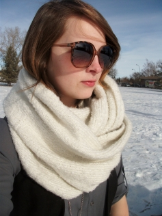 winter style - infinity scarf and oversized sun glasses