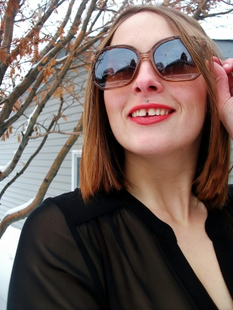 le chateau sunglasses and blouse, rimmel moisture renew lipstick 620 in coral queen on city style country smile