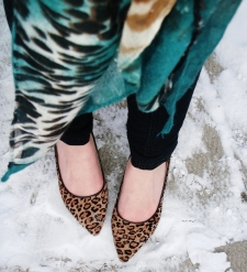leopard stillettos, skinnies and a colorful print scarf
