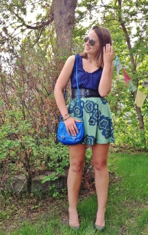 blue green outfit for summer