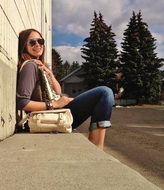summer accessory staples - aviators, la mer charm wrap watch, neutral cross body bag