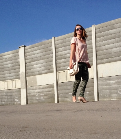 summer style - camo and coral