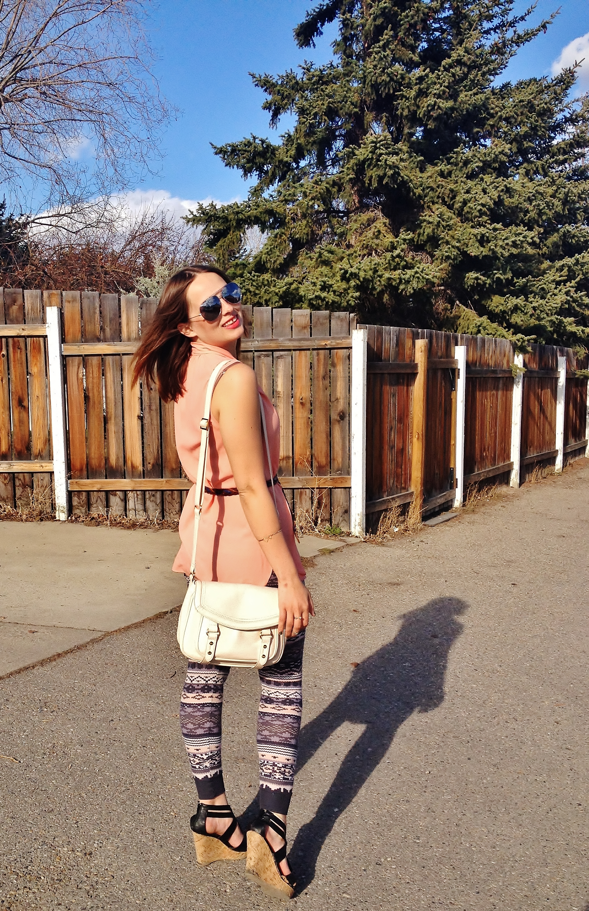 Summer Style Printed Leggings Peach Blouse Nude Cross Body Bag