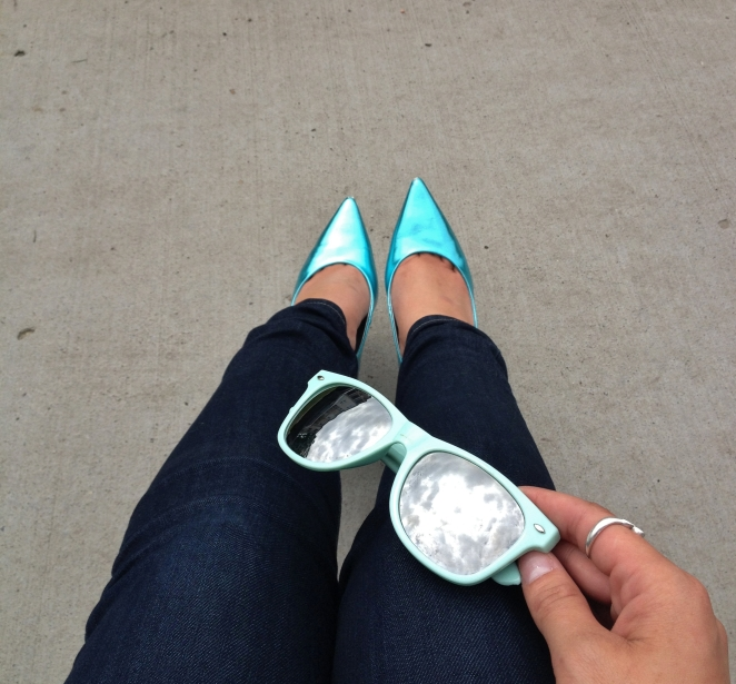 metallic teal - guess heels and wayfarers